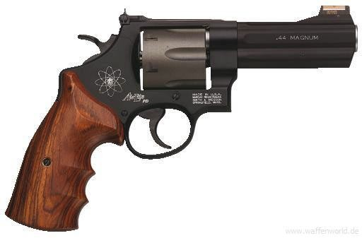 SMITH & WESSON - 329 PD 4'' blue Airlite .44Magnum